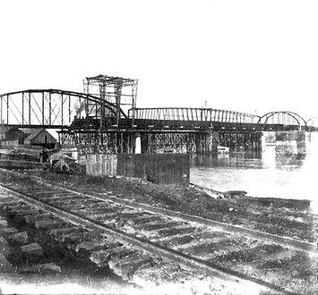 MK&T_Railroad_Bridge_Construction 1896 -