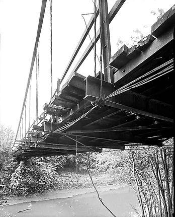 old Klenklen Bridge at Lamine River#1.jp