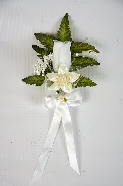 GROOM'S BOUTONNIERE - IVORY REGAL