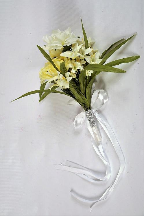 BRIDE'S TOSS BOUQUET - WHITE MEADOW