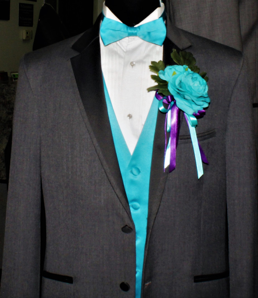 Turquoise Boutonniere # 0003