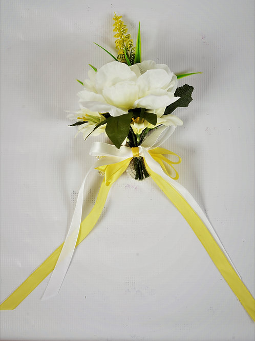 MAID OF HONOR WRIST CORSAGE - WHITE MEADOW