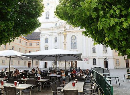 Into the District: Josefstadt