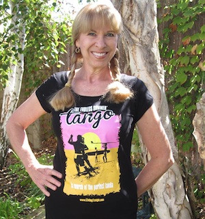 Endless Summer Tango scoop neck tee