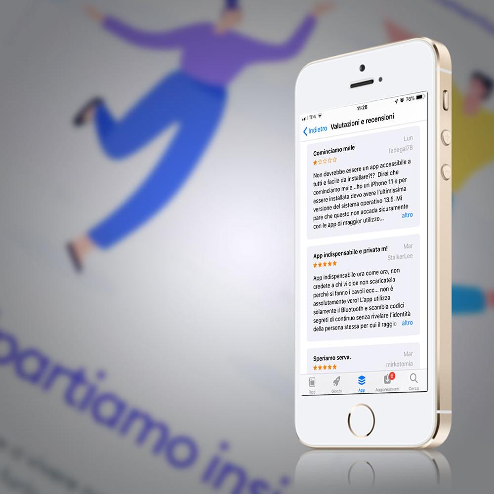 Schermo di smartphone con recensioni di Immuni sull'app Store