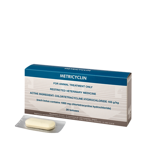 Packet of Metricyclin. Chlortetracycline HCl 1000mg in boluses for intra-uterine administration in cattle.