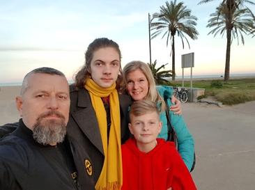 Familjen mehmedovic.png