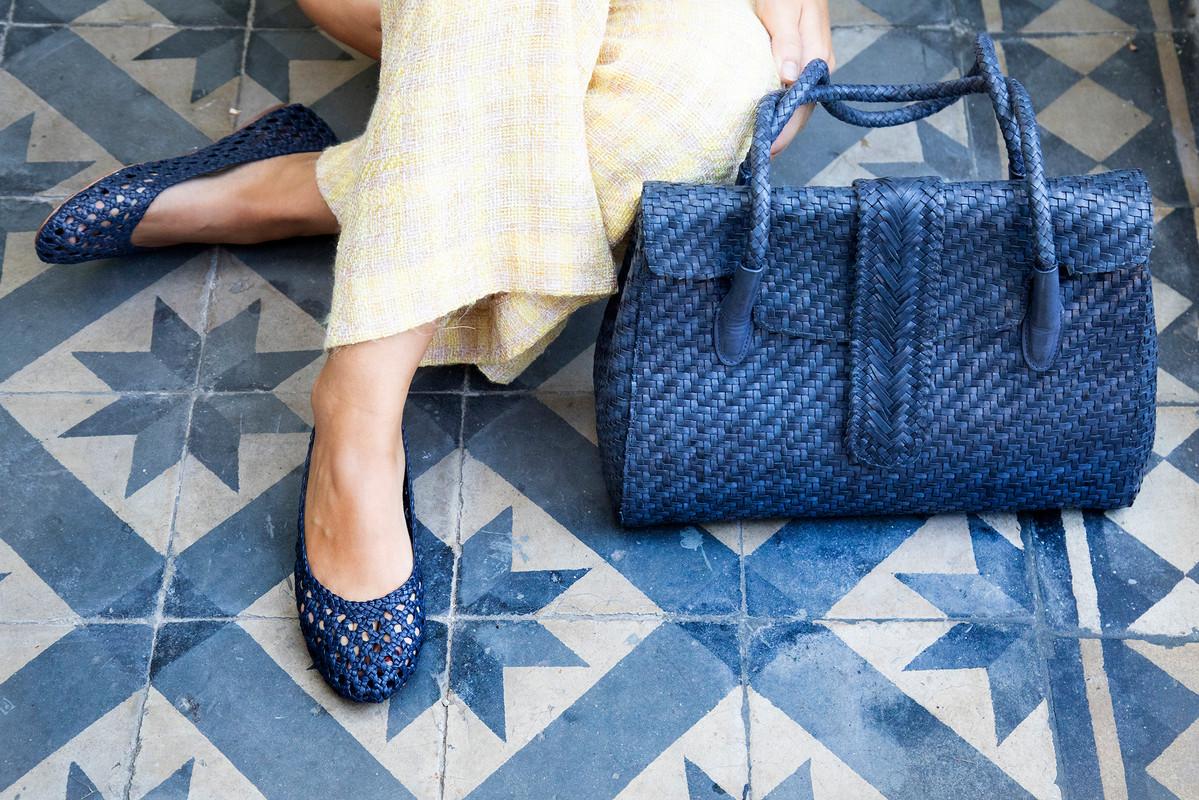 Shoes: Lenny Quadro Navy; Bag: Kirsten Large DJ Navy