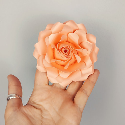Rose en boutonnière