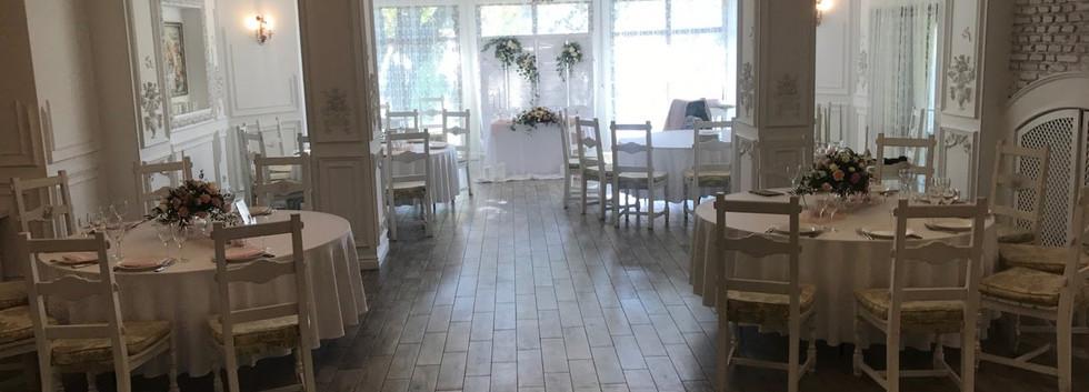 Украшение свадебного зала в Кие