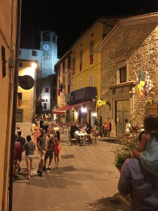 Montone town square.JPG