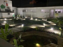 Jardim interno - noite