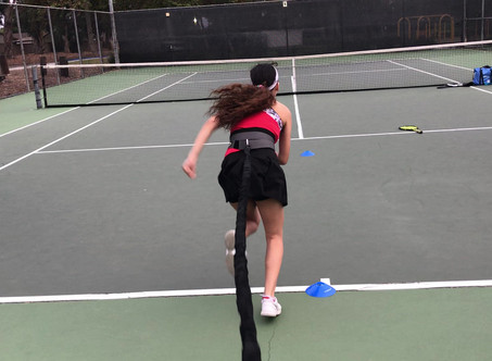 Improving acceleration on court using bungee.