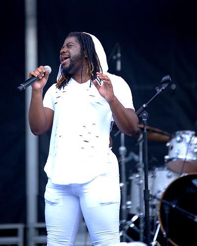 SINGER IN WHITE 8.jpg