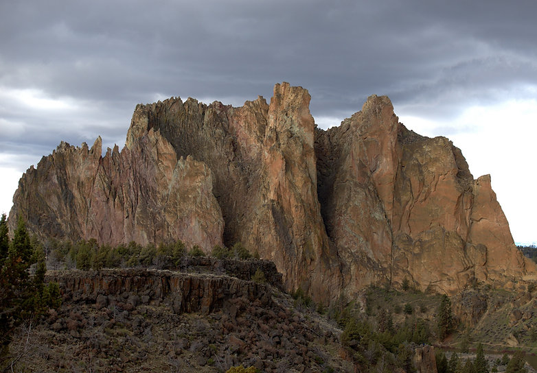 SMITH ROCK BEND OREGON 1 SMALL.jpg