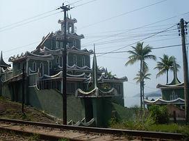 Castelo de arquitetura chinesa localizado na divisa entre Itacuruçá e Muriqui