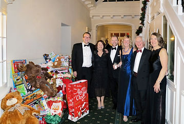 Harrogate-Snowball-Committee-2018.jpg