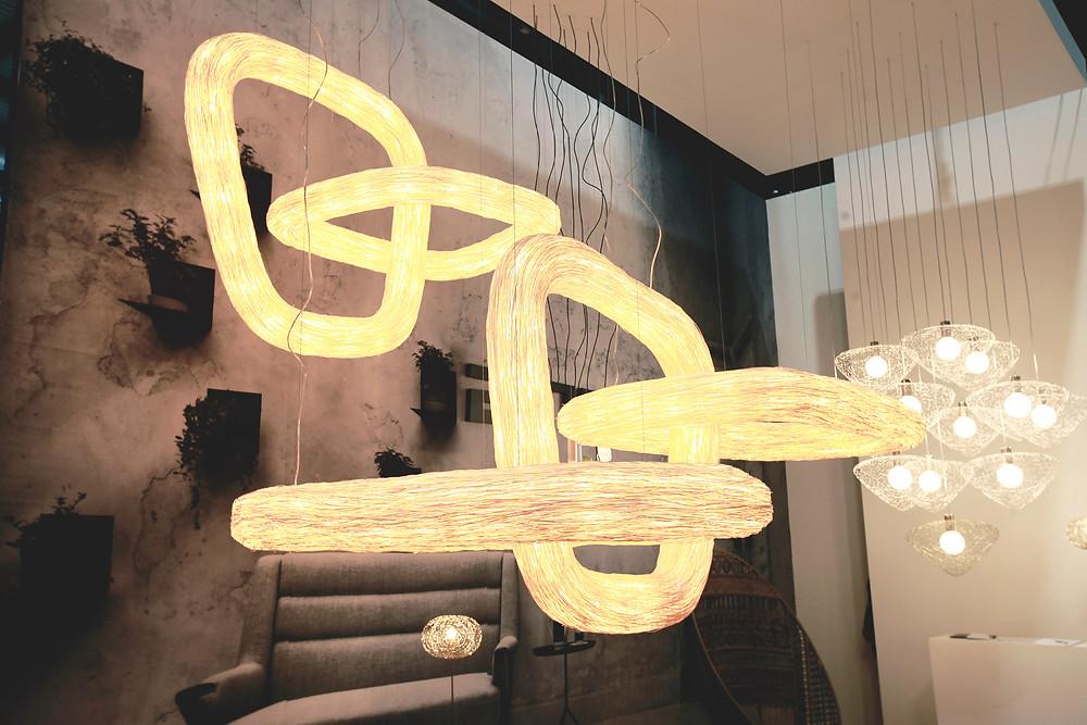 โคมไฟหวายของไทยที่ไปออกงานแฟร์ Euroluce ที่มิลาน