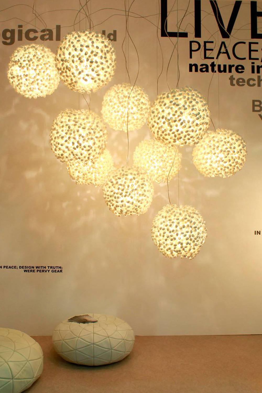 โคมไฟโมเดิร์นสีขาว แสงสวยๆ