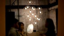 พลังจากแสงสวย ของโคมไฟแต่งบ้านโมเดิร์น