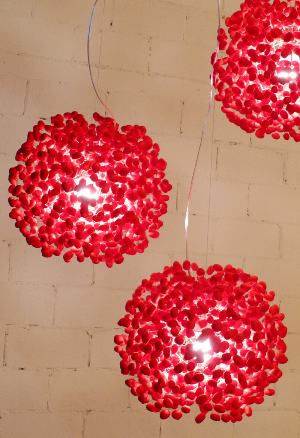 โคมไฟรังไหมสีแดง โคมไฟโมเดิร์นของแองโก
