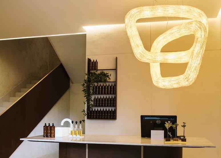 โคมไฟที่ใช้ในร้าน สปา อารีย์  Calm spa