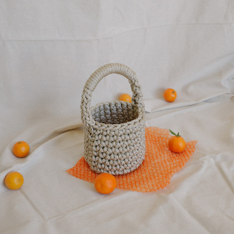 Bucket in Desert Pearl