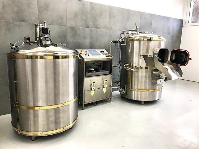 «LaBelle» schnuppert die erste #Drüüklang Braui-Luft 😍🍻_#düüdaadoo #bier #bierkönig #beer #brauere