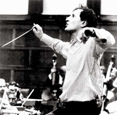 Eduardo Mata. UNAM