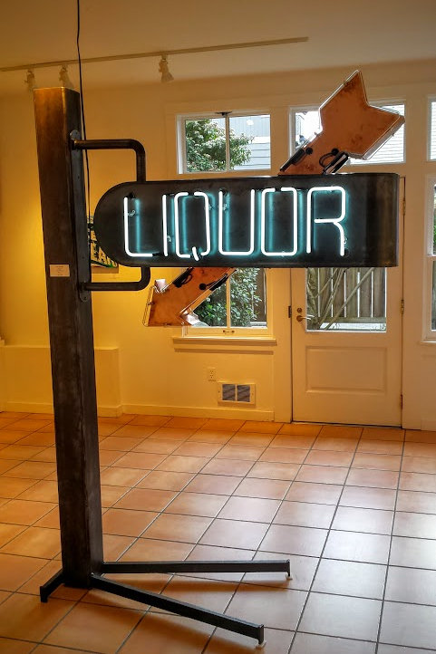 "Mid-Century Modern-style ""Liquor"" sign, in Neon."