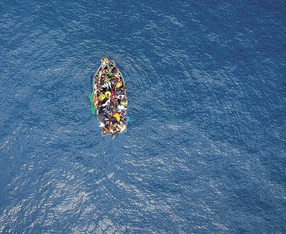 Image of migrants in a boat
