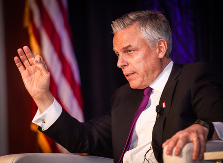 First Vandenberg Prize awarded to Ambassador Jon M. Huntsman, Jr.