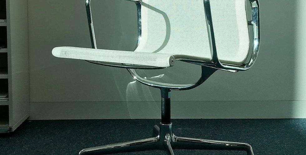 EA 108 Chair
