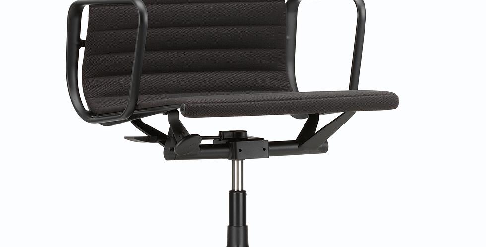 Aluminium Chair EA 117 (Leather)