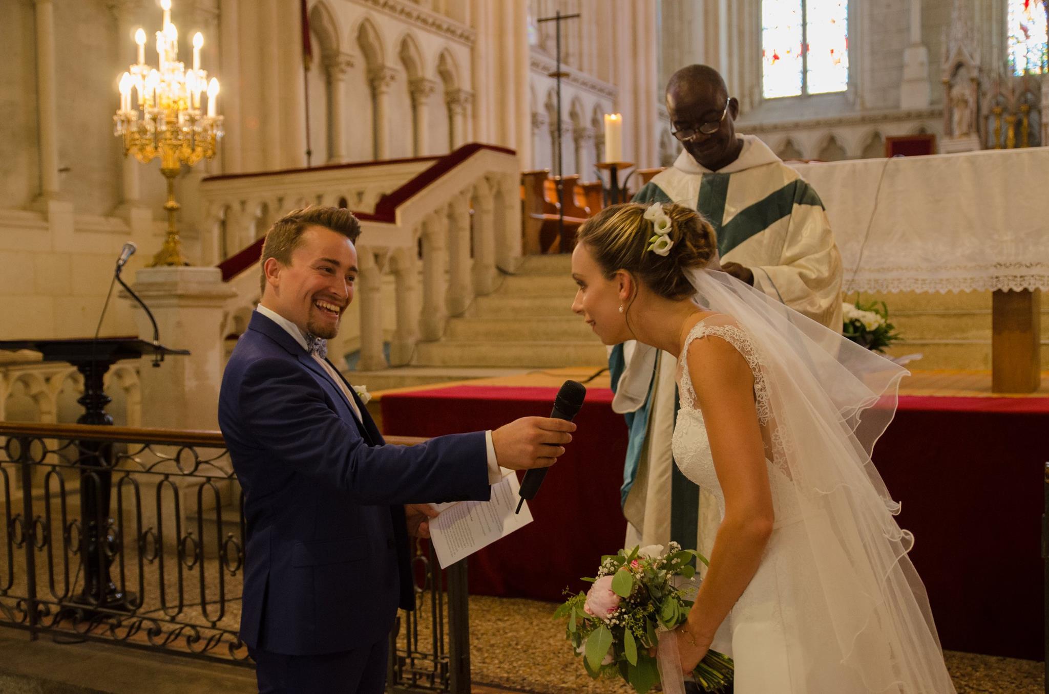 Le sourire du marié