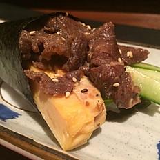 Teppanyaki beef temaki