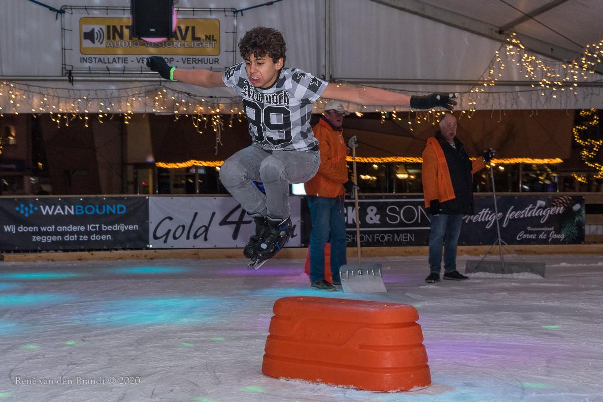 Rond on Ice