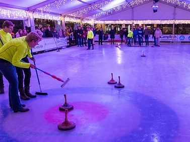Curling Competie Rond on Ice