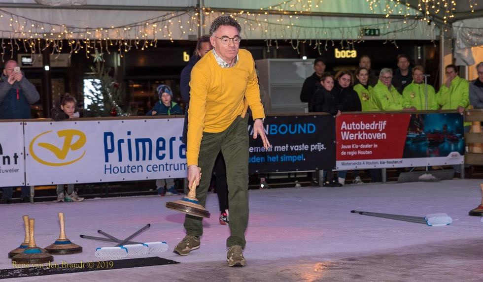 Curling opening