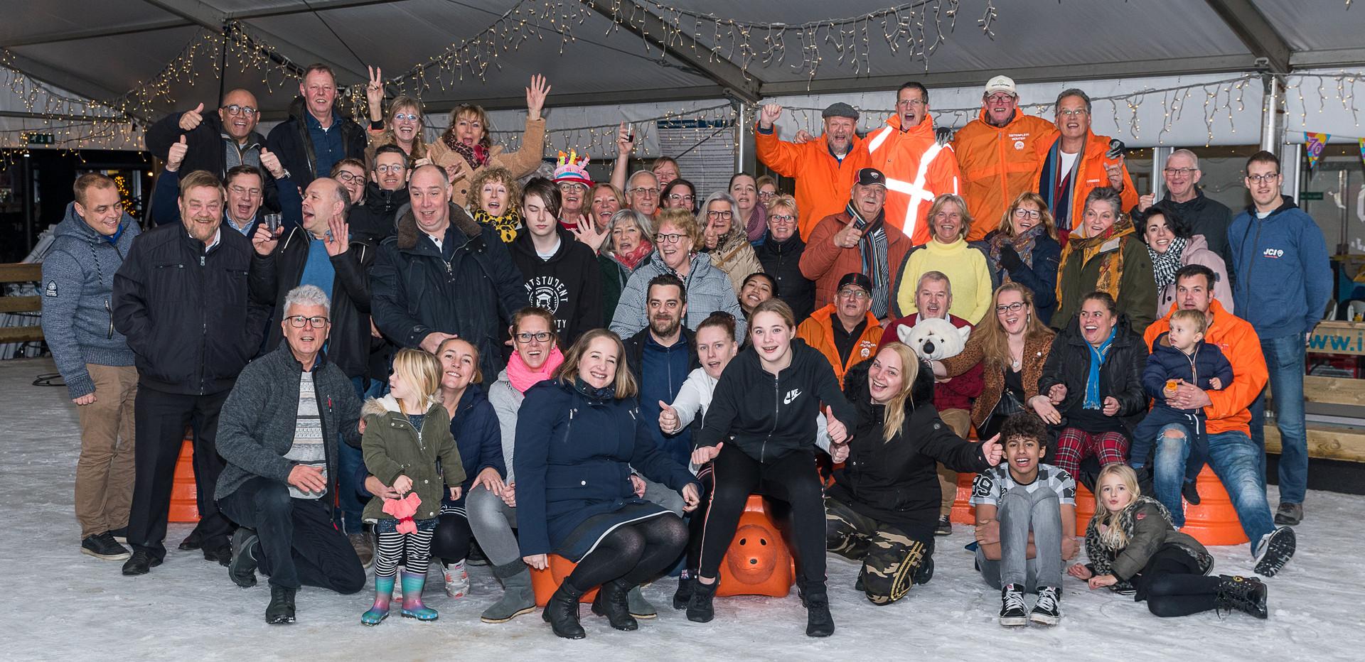 Vrijwilligers Rond on Ice