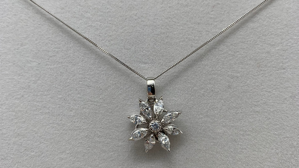 18ct white gold Diamond pendant and chain