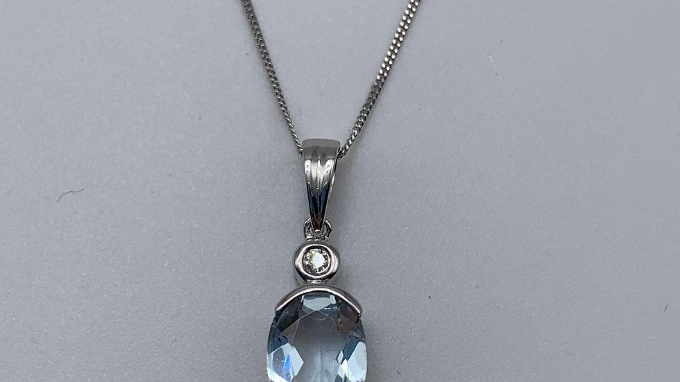 9ct white gold Aquamarine necklace