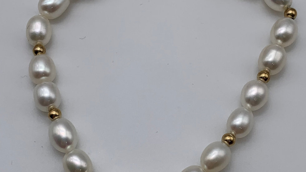9ct gold Cultured Pearl bracelet
