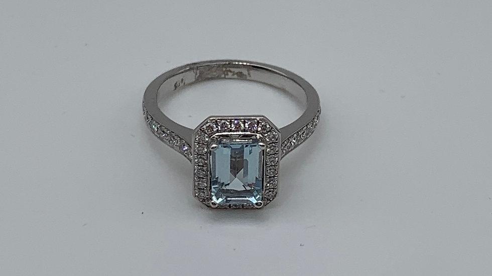 18ct white gold Diamond & Aqua ring