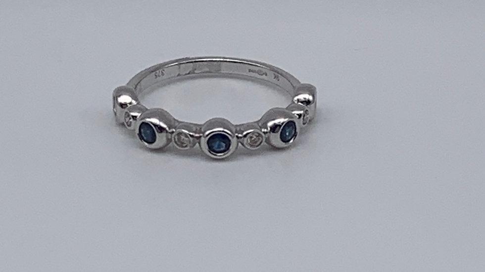 9ct white gold Diamond & Sapphire ring