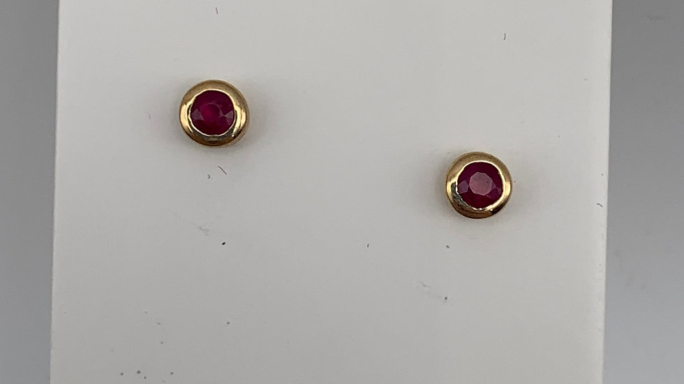 9ct yellow gold Ruby studs