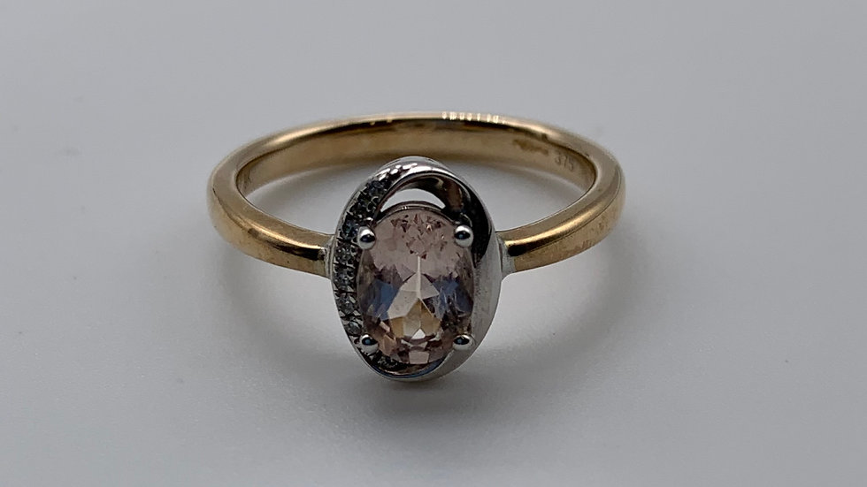 9ct white/yellow gold Morganite ring