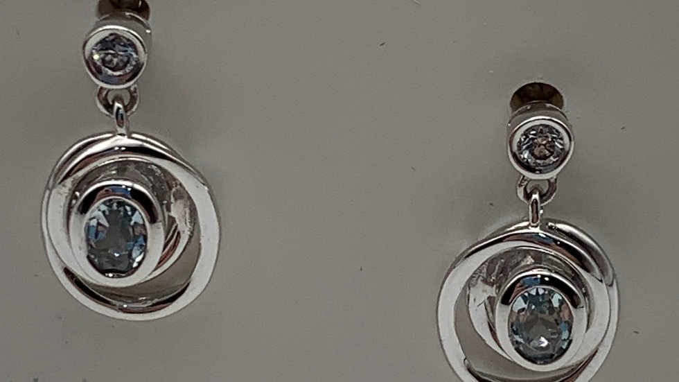 9ct white gold Diamond & Aquamarine