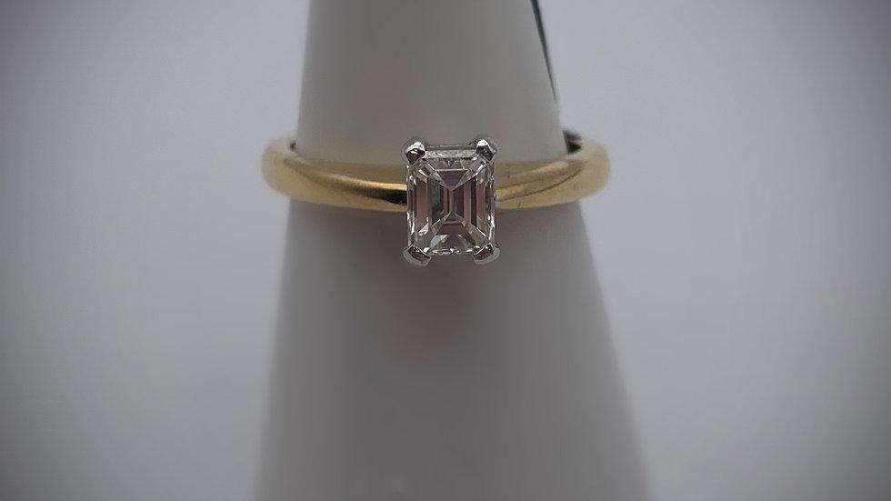 18ct yellow gold 0.65ct Diamond ring