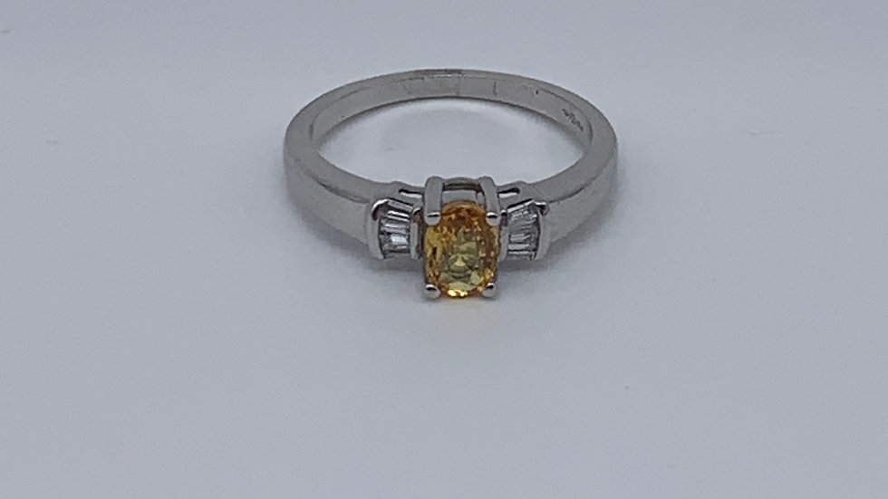 18ct white gold Yellow Sapphire & Diamond ring
